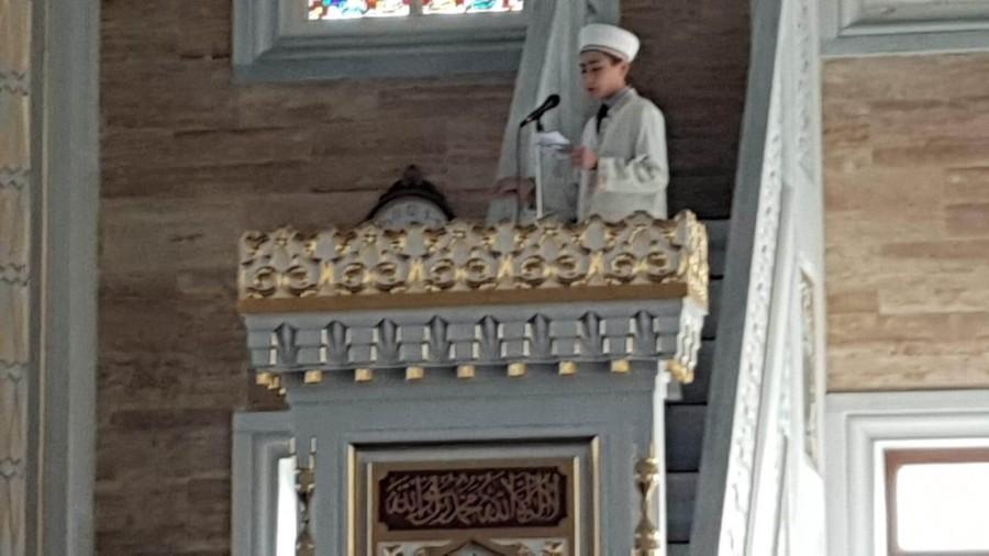 Yakuplu Evlat Camisinde Farklı Cuma